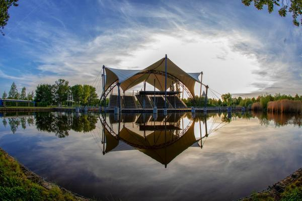 Amphitheater mit Seebühne Magdeburg