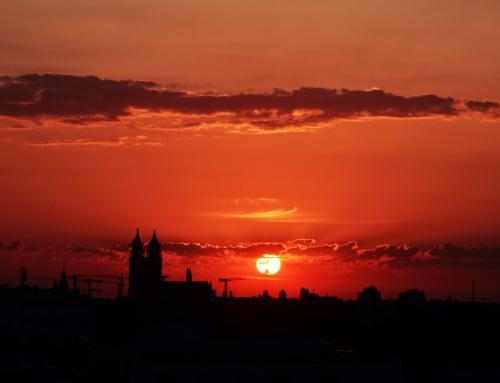 Sonnenaufgang mit Domblick
