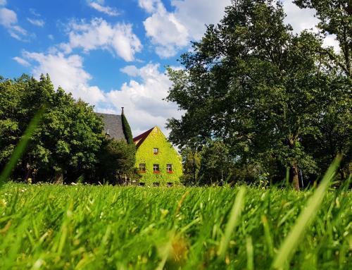 Am Haus der Evangelischen Domgemeinde