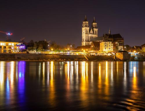Magdeburger Dom – Elbpanorama bei Nacht