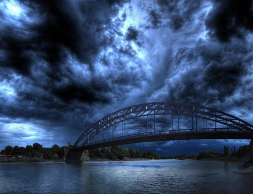 Unwetter über der Sternbrücke in Magdeburg