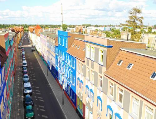 Die bunte Otto-Richter Straße in Magdeburg