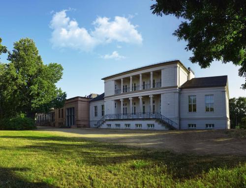Gesellschaftshaus im Klosterbergegarten
