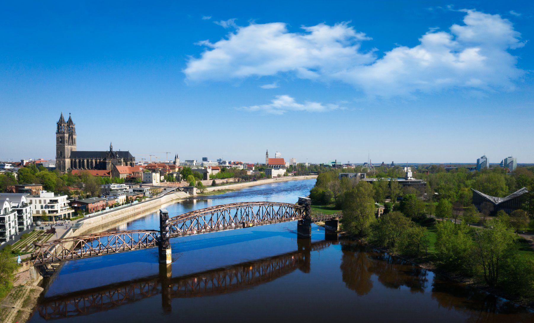 Panorama Momentaufnahme über der Ottostadt Magdeburg